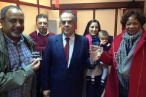 Abdul Razaque Fakir em visita à Novotecna e FabLab Coimbra na presença de Horácio Pina Prata